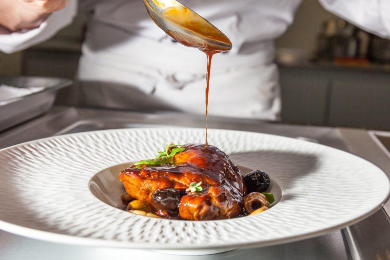 Cuisses de canard mijot es aux olives et thym po l e de - Comment cuisiner les cuisses de canard ...
